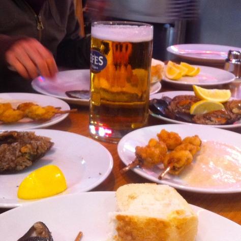 istanbul street food midye dolma midye tava