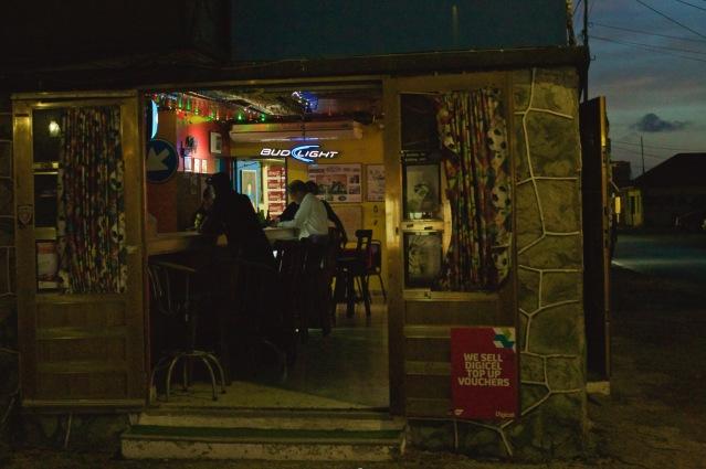 aruba oranjestad local bar