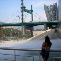 Guggenheim Museum Bilbao - Spider Statue and Fog producing pool