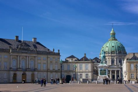 things to do in copenhagen amalienborg slot