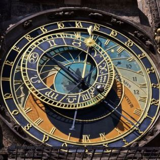 things to do in prague astronomical clock