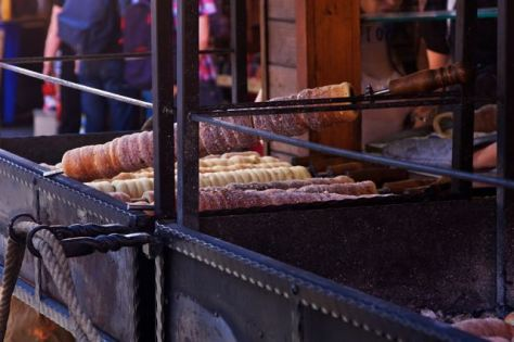 things to do in prague eat trdelnik
