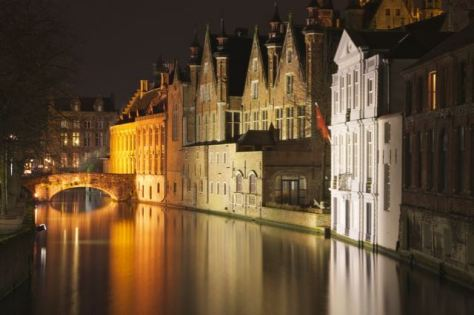 top things to do in bruges take a walk at night