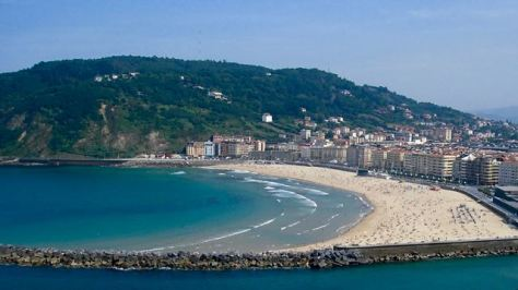 things to do in san sebastian playa de la concha
