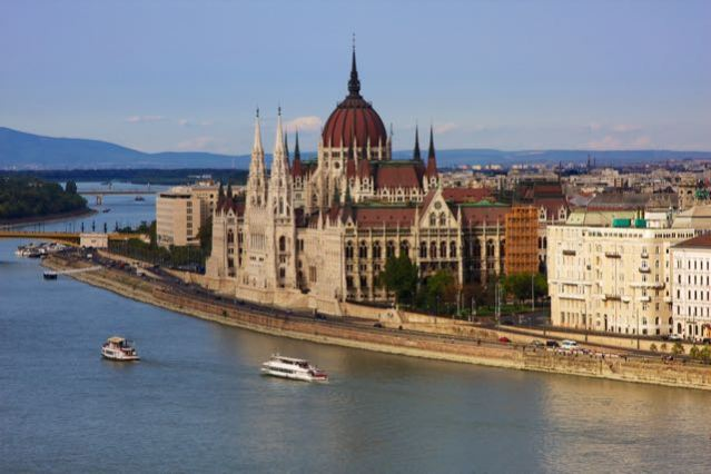 things to do in budapest hungarian parliament building