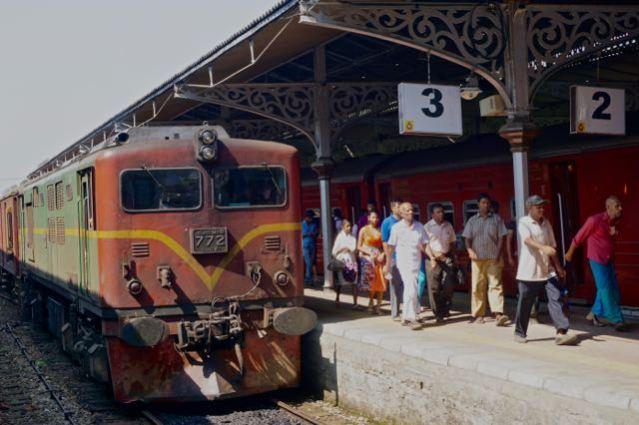 train ride in sri lanka kandy railway station
