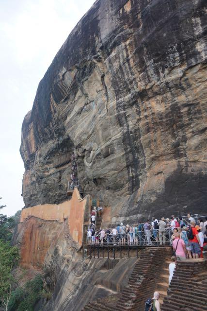 Visit Sigiriya Rock in Sri Lanka - How to avoid crowds