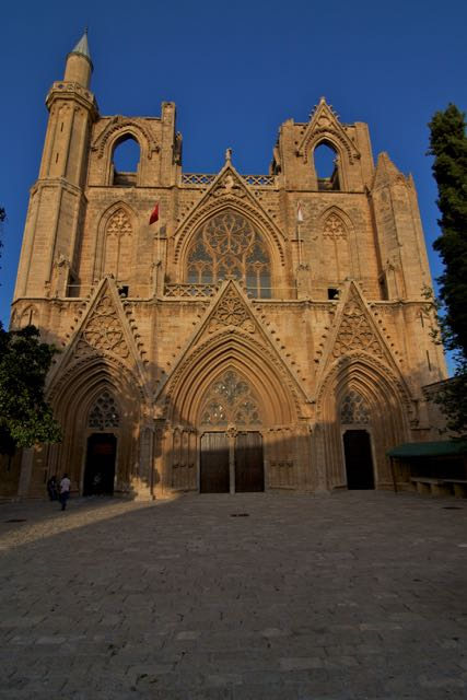 Travel guide to Northern Cyprus - Famagusta - Lala Mustafa Pasa Mosque - St. Nicolas Cathedral