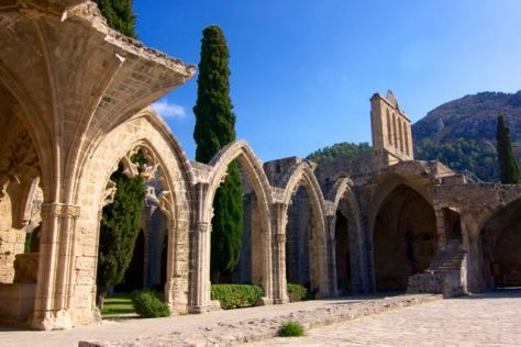 Travel guide to Northern Cyprus - Kyrenia - Bellapais Abbey
