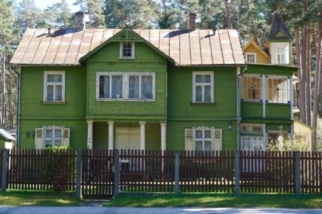 3 days in Riga Latvia - Things to do - day trip to Jurmala Beach in Baltic Sea - Wooden Houses