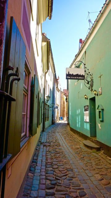 3 days in Riga Latvia - Things to do - Old Town - Troksnu Street