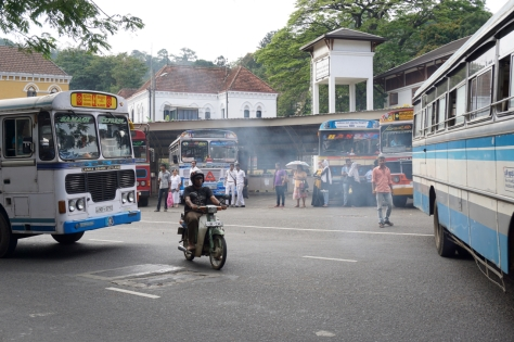 2 days in Kandy Central Province of Sri Lanka - Bus Station