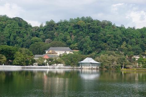 2 days in Kandy Central Province of Sri Lanka - Kandy Lake