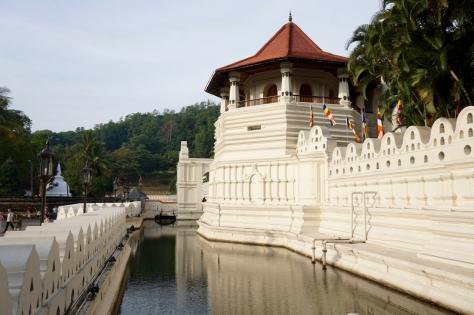 2 days in Kandy Central Province of Sri Lanka - Temple of the Sacred Tooth Relic - Sri Dalada Maligawa