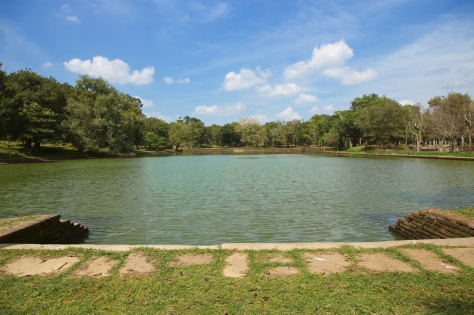 Visiting Ancient City of Anuradhapura in Sri Lanka - Elephant Pond