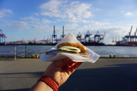 Insider Travel Guide to Hamburg - Germany - What and where to eat in Hamburg - Fish bun in Övelgönne Elbe Beach Nuggi's Elbkate